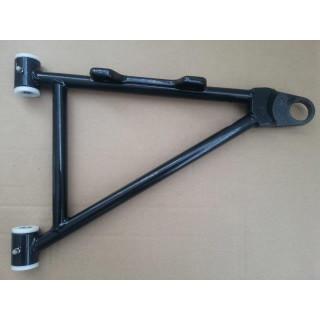 Рычаг передней подвески нижний правый (черный), в сборе (см.новый код - JU095998), JU076750