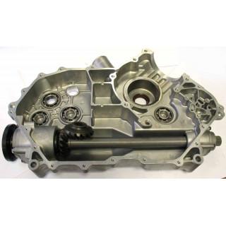 Картер двигателя, левая половина, в сборе, LU018230
