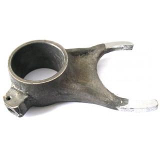 Вилка механизма переключения передач (лев), сталь, LU017571